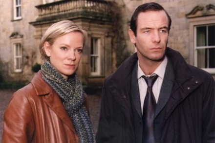 Hermione Norris as DCI Carol Jordan and Robson Greene as Tony Hill in Wire In The Blood
