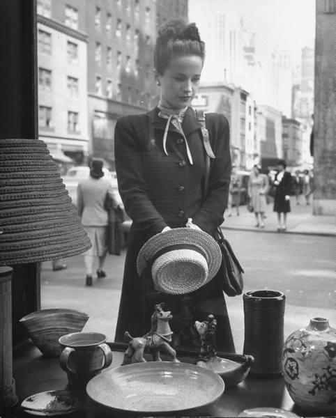 Maeve-Brennan-1945